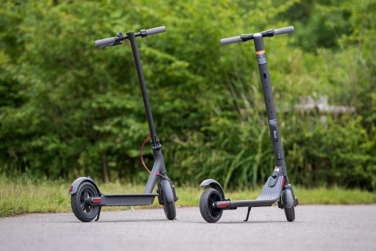 Ninebot ES2 Scooter M365 comparison side by side rear