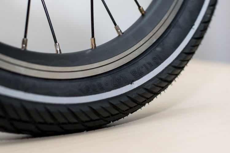 QiCycle electric folding bike tyre detail