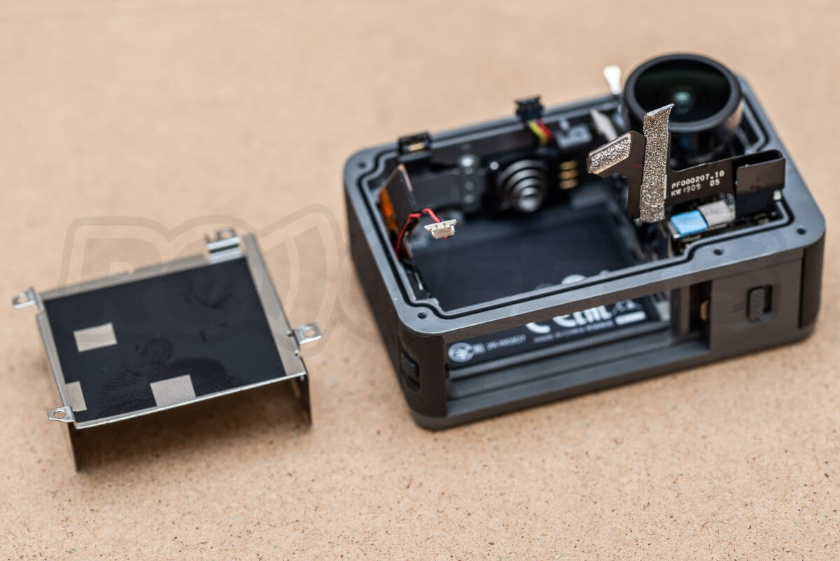 RCGeeks Osmo Action Teardown battery tray removed