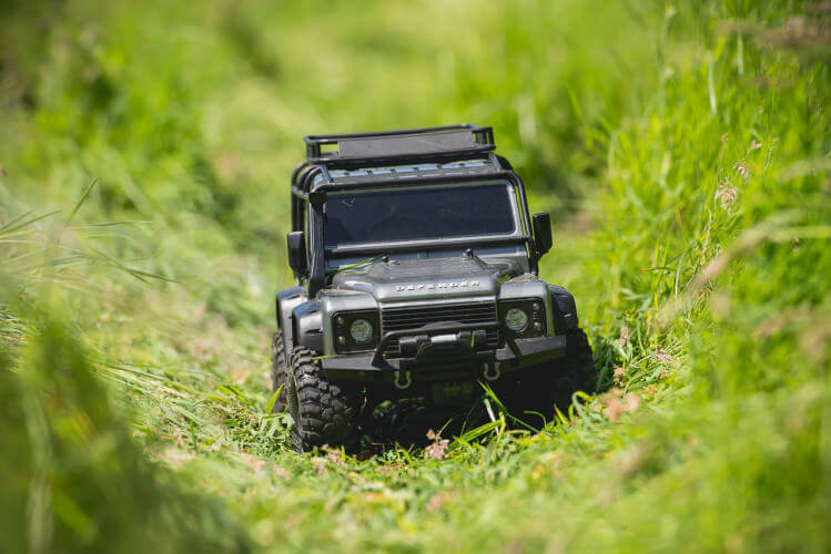 Traxxas TRX-4 Land Rover Defender front