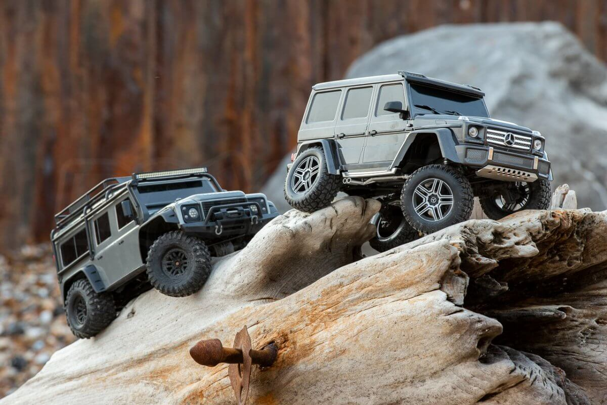 Traxxas TRX 4 Mercedes Benz G500 G wagon review Defender comparison wood climbing close 2