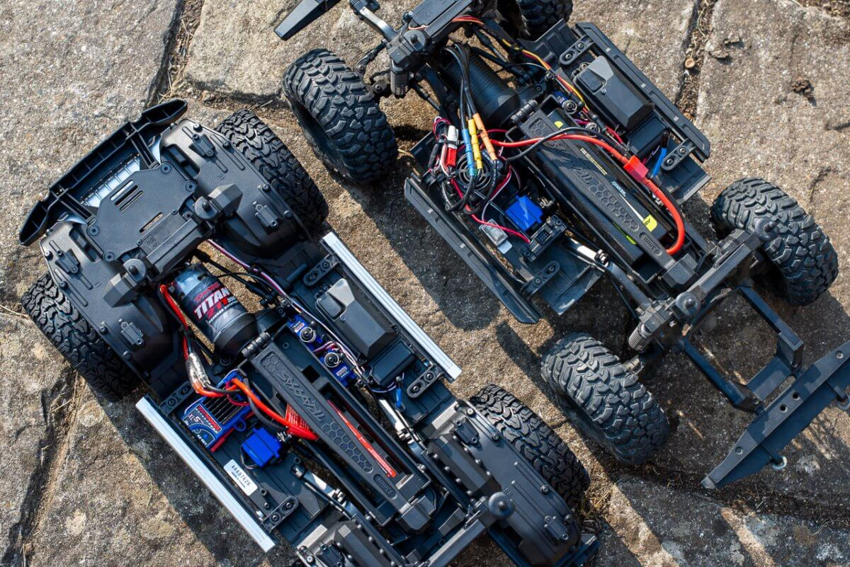 Traxxas TRX 4 Mercedes Benz G500 G wagon unxboxing review defender chassis comparisons