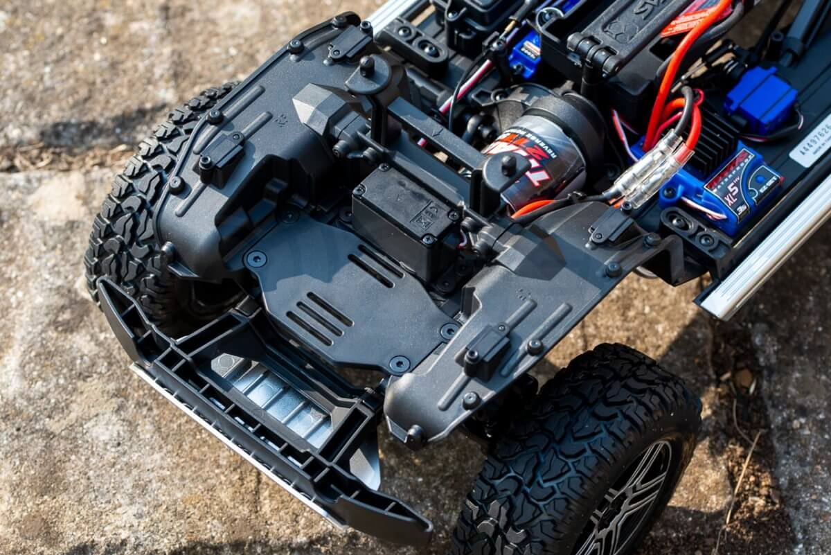 Traxxas TRX 4 Mercedes Benz G500 G wagon unxboxing review integral front guards