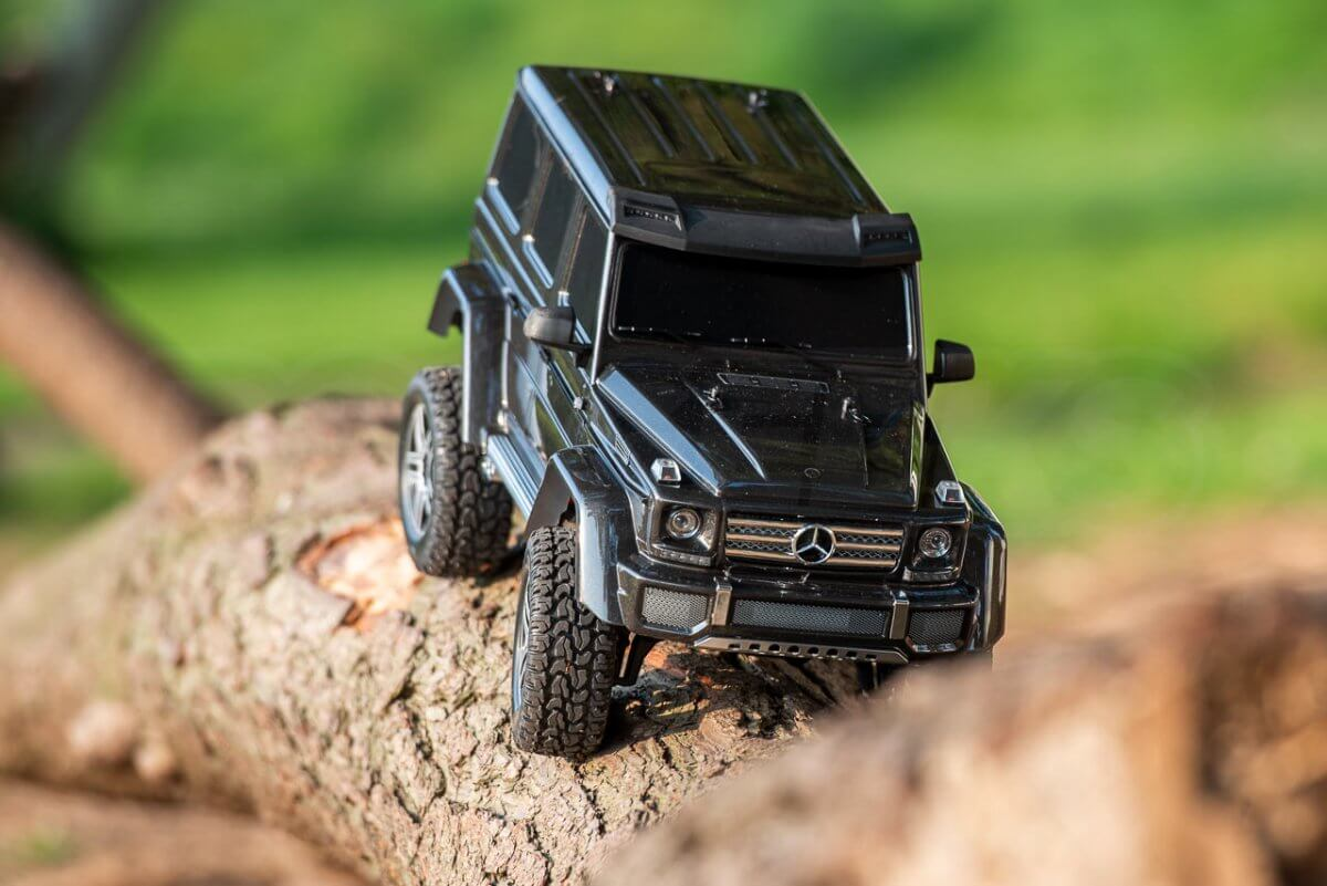 Traxxas TRX 4 Mercedes Benz G500 G wagon unxboxing review log crawling front