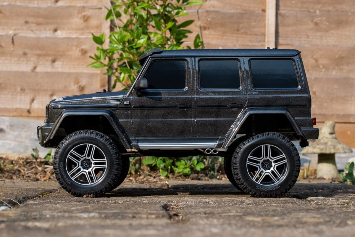 Traxxas TRX 4 Mercedes Benz G500 G wagon unxboxing review side on
