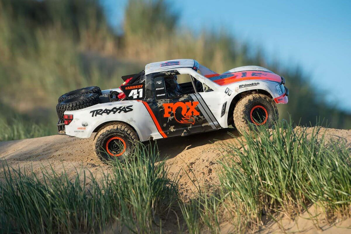 Traxxas UDR review beach sand side profile