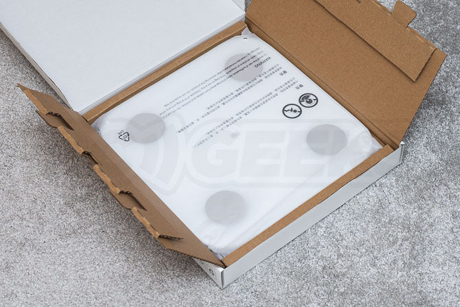 Xiaomi_Mi_Body_Composition_Scale_2_Review_smart_scale_unboxing_box_opened_scale_inside