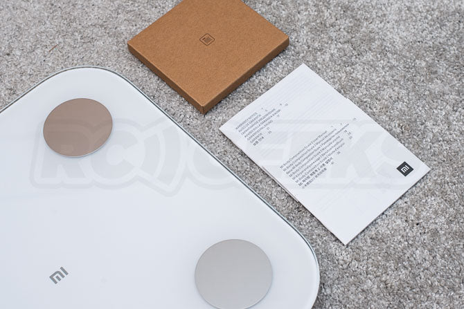 Xiaomi_Mi_Body_Composition_Scale_2_Review_smart_scale_unboxing_manual