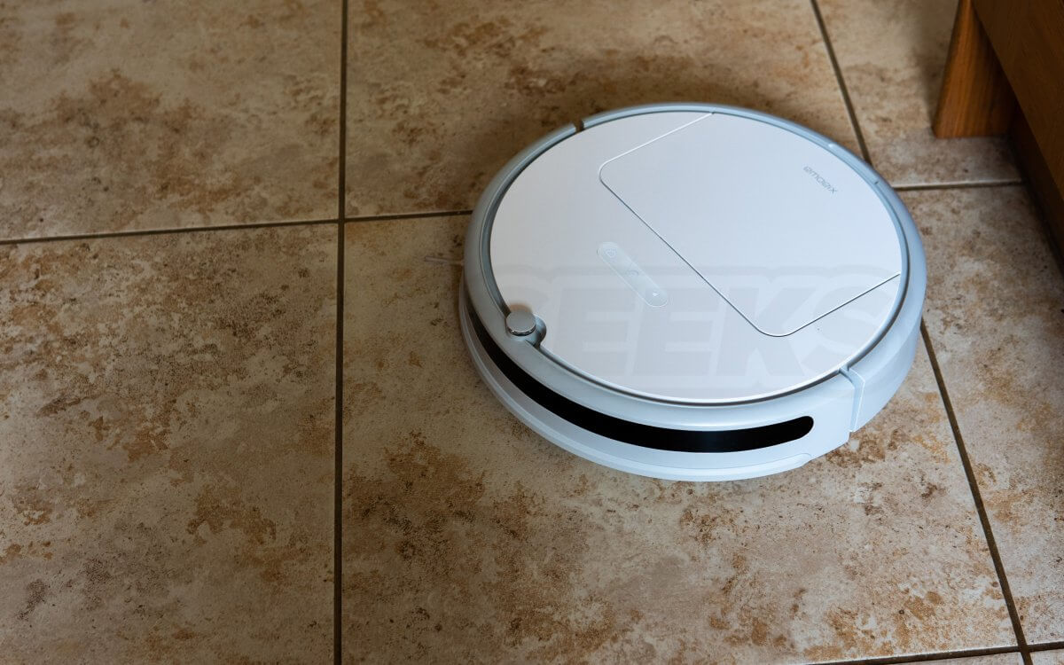 Xiaowa Lite Vacuum Hard Floor In action