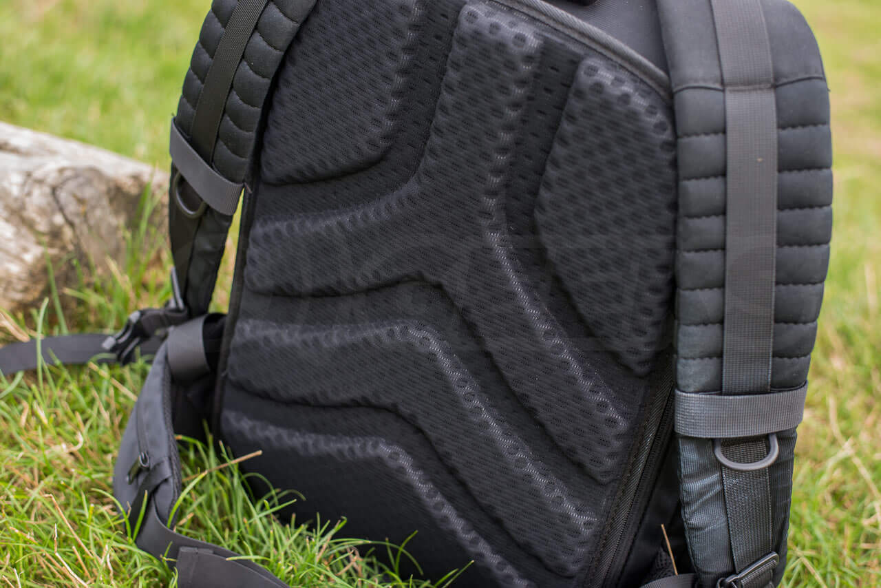 polarpro-trekker-bag_back-padding
