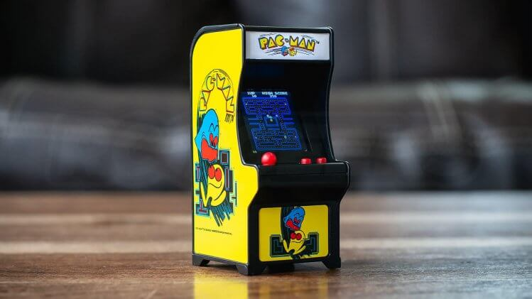 tiny-arcade-review-pac-man-machine