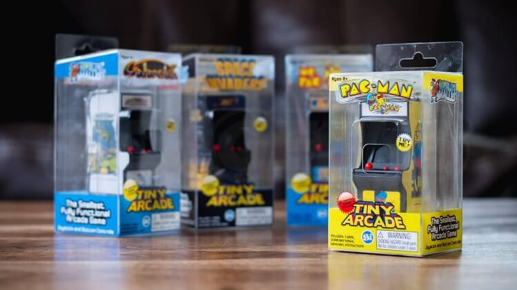 tiny-arcade-review-retail-packing-feature