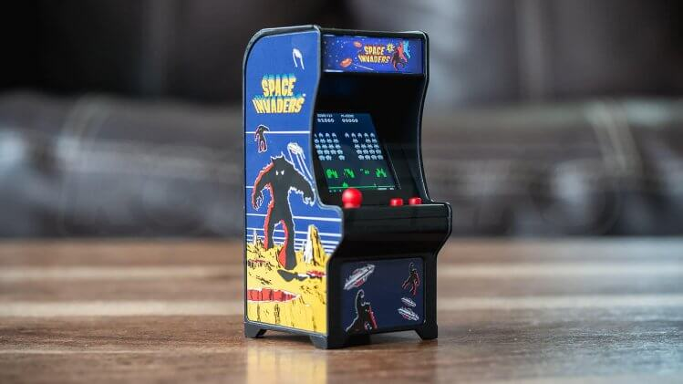 tiny-arcade-review-space-invaders-machine