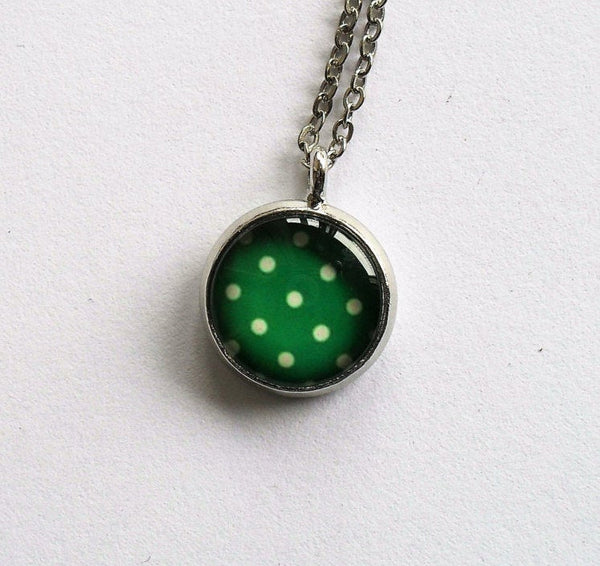 Green and white polka dot necklace, retro polka dot necklace,Green and white polka dot necklace, Round photo necklace, Glass dome necklace