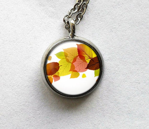 Autumn leaves Necklace, Autumn Leaf charm, Orange Green leaf pendant,Autumn green leaf necklace,Nature charm,Autumn Pendant, Autumn Necklace