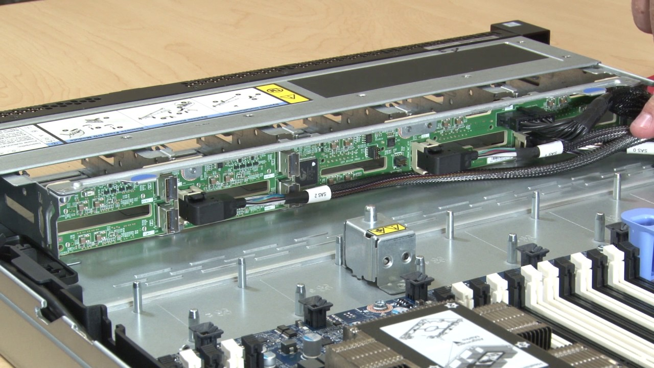 ThinkSystem NVMe/SATA Backplane for SN850 - Só Lenovo