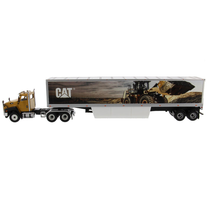 1:50 Cat® CT660 with Cat® Mural Trailers