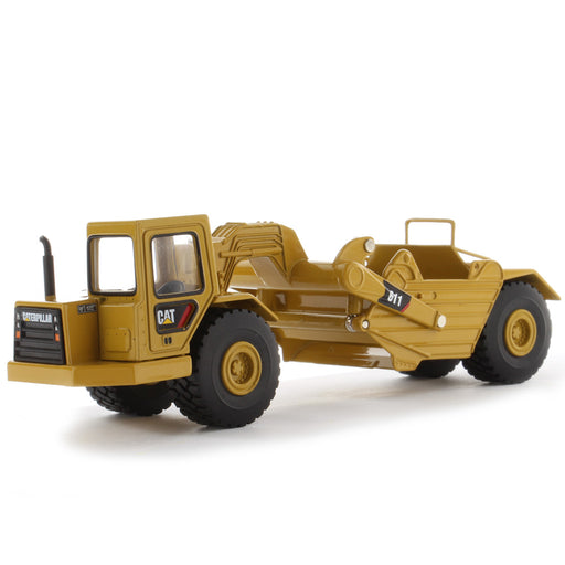 1:64 Cat Wheel Tractor 611 Scraper