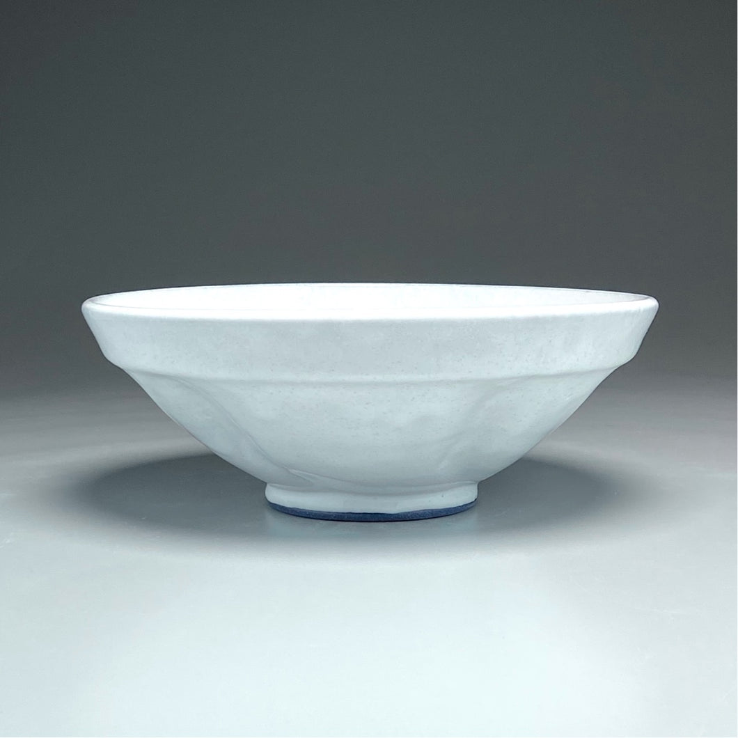 Ribbed Trumpet Bowl in Dogwood White, 12