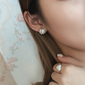 Retro Golden Setting Mabe Stud Earring