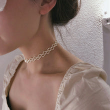 Load image into Gallery viewer, Pricesa Pearl Choker