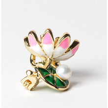Load image into Gallery viewer, Lotus Flower Cultured Pearl Brooch