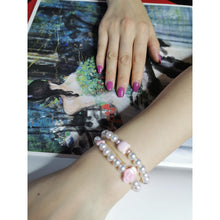 Load image into Gallery viewer, Pearl and Queen Conch Shell Charms Bracelet