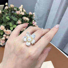 Load image into Gallery viewer, Flower Pearl Ring
