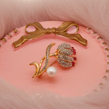 Load image into Gallery viewer, Pink Flower Cultured Pearl Brooch