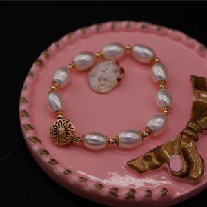 Oval Pearl Necklace and Bracelet Set