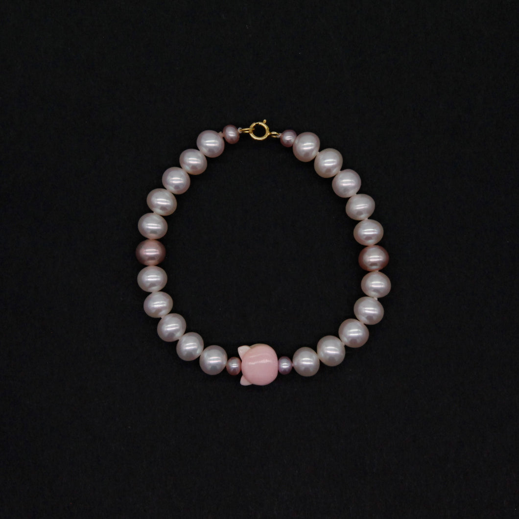 Pearl and Queen Conch Shell Charms Bracelet