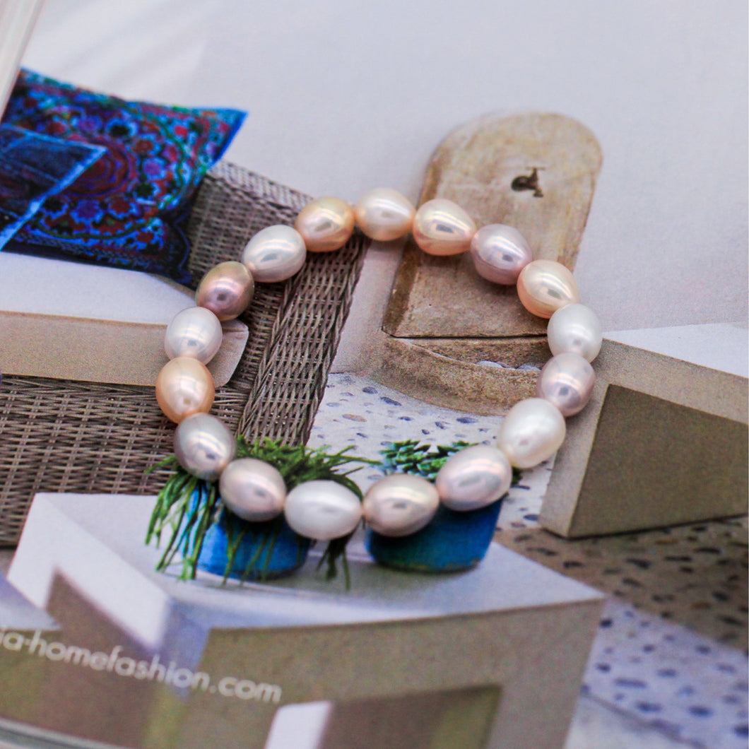Lara J. Pearl Necklace & Bracelet Set