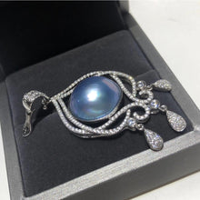 Load image into Gallery viewer, Magic Mirror Blue Mabe Pearl Charm