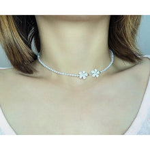 Load image into Gallery viewer, Plum blossom Choker Necklace