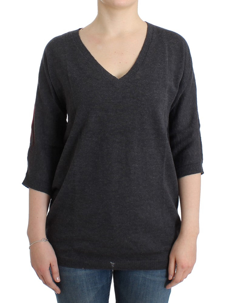 Gray short sleeved sweater