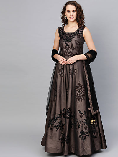 Chhabra 555 Made to Measure Anarkali Cocktail Gown with Resham Embroidery, Crystal embellishments and dupatta