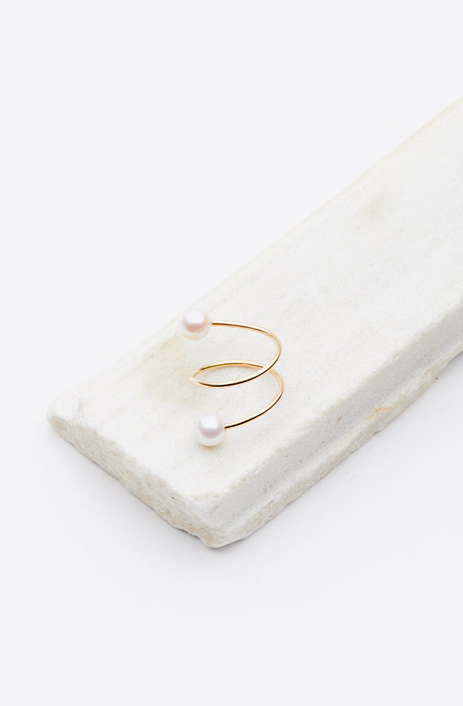 Spiral Pearl Ring-18k yellow gold