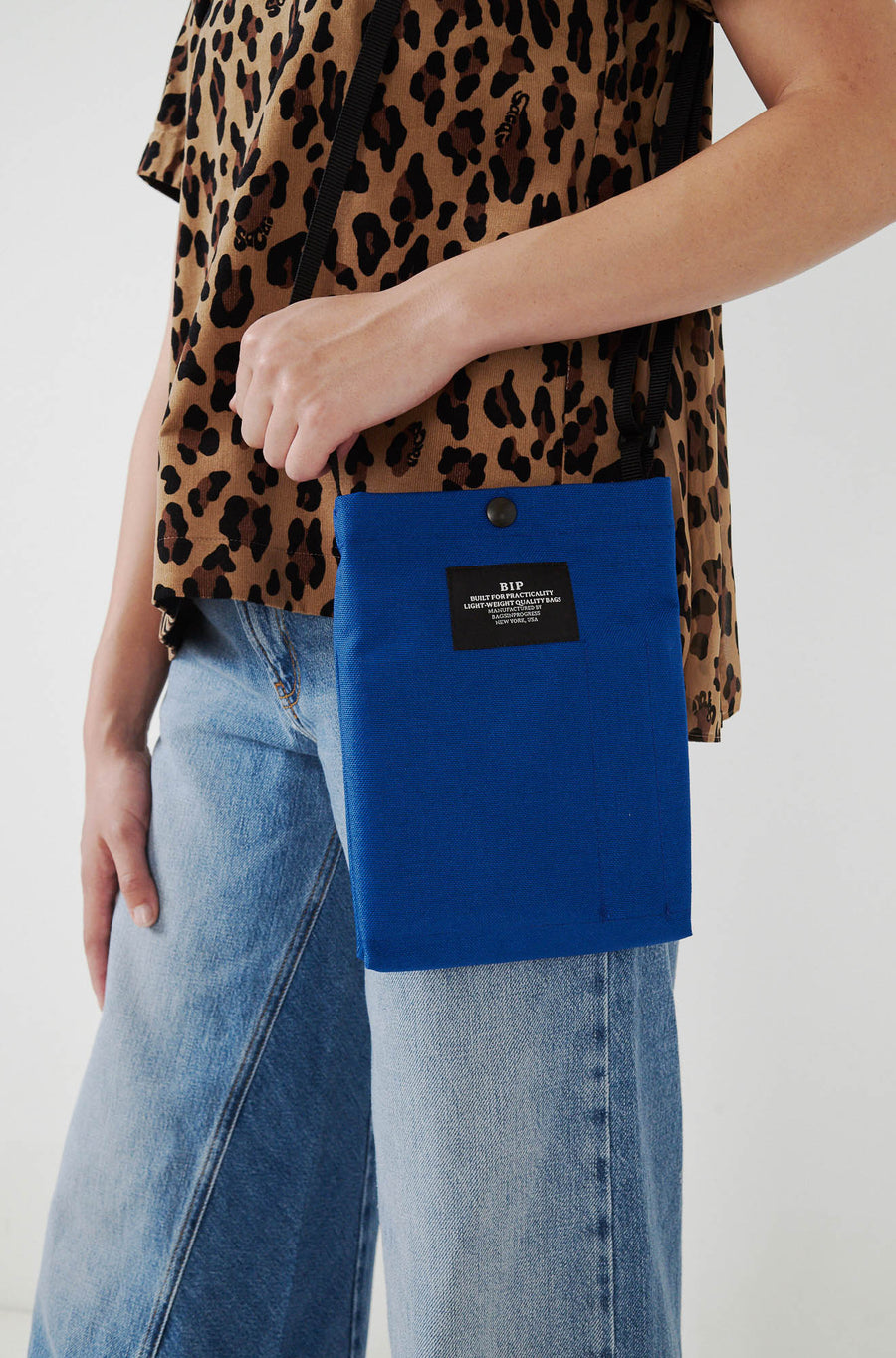Passport Shoulder Bag-blue