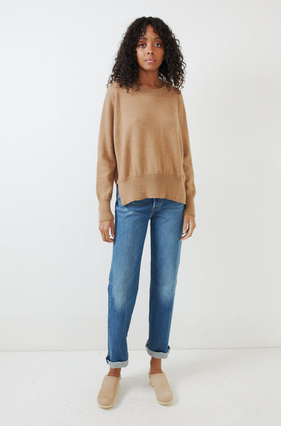Simple Baby Alpaca Crewneck-camel