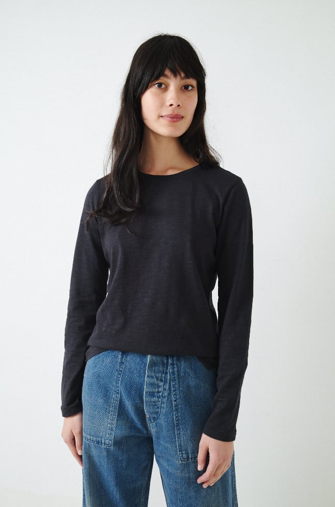 Standard Long Sleeve T-Shirt-black