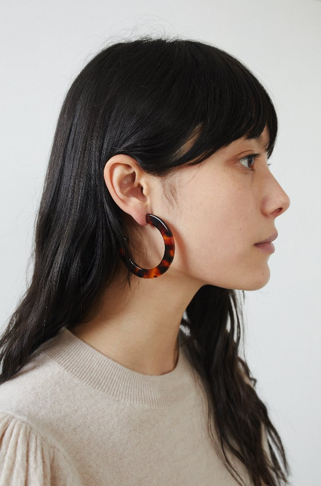 Medium Circular Hoop Earrings-tortoise