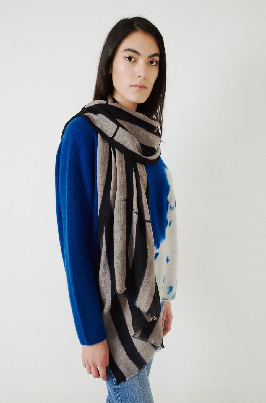 Handwoven Baby Wool Shibori Scarf-navy blue/light coffee