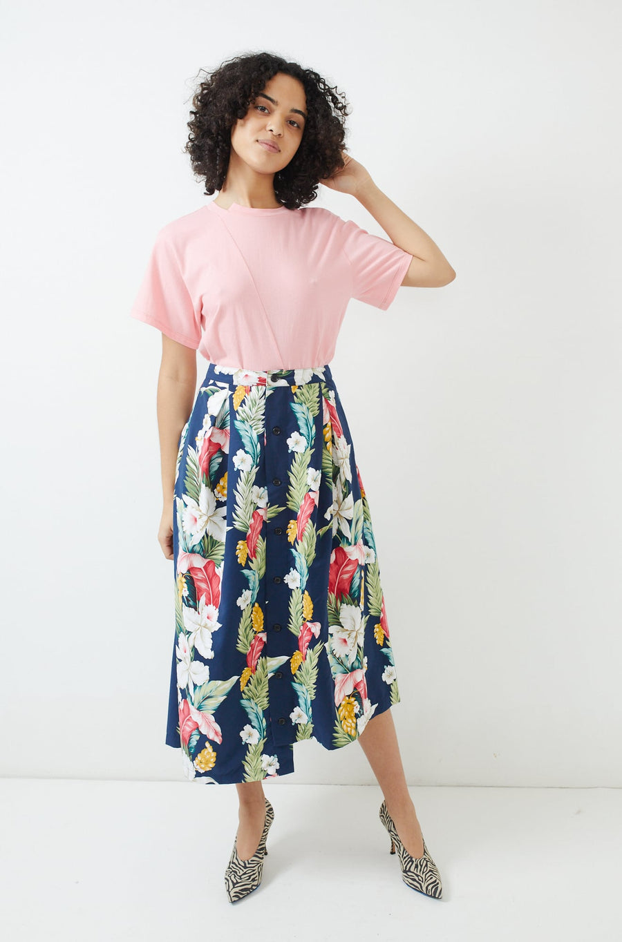 Tuck Skirt-navy hawaiian floral