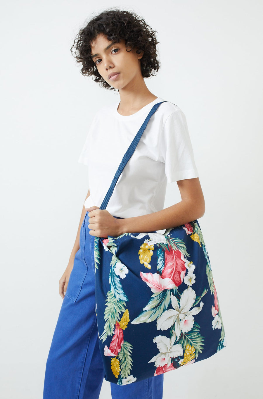 Floral Carry All Tote-navy hawaiian floral