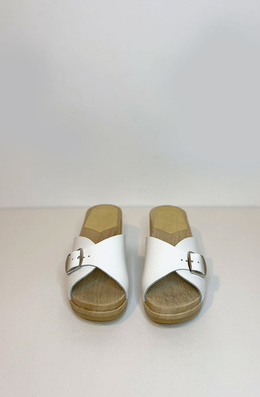 Abuela Mid Wedge Clog-white