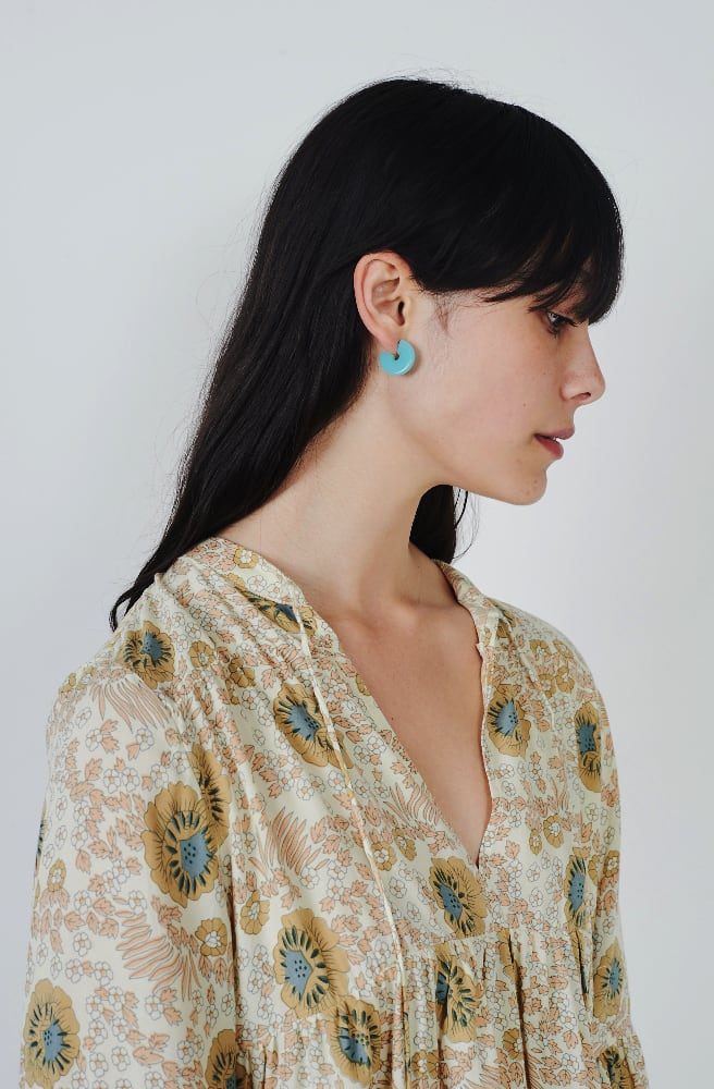 Tiny Disc Hoop Earrings-cyan