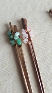 ONE (1) Wirewrapped Gemstone Hammered Metal Hair Stick.