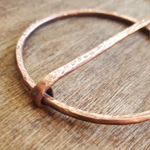 Load image into Gallery viewer, Penannular Brooch. Copper Cloak Pin, Celtic Penannular Pin. Viking Pin, SCA  Costume
