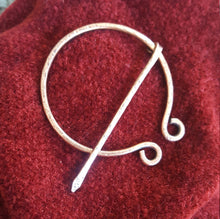 Load image into Gallery viewer, Penannular Pin, Copper Cloak Pin, Celtic Brooch. Viking Scottish SCA LARP Shawl Pin