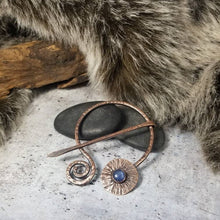 Load image into Gallery viewer, Blue Kyanite Cloak Pin, Metal Shawl Clasp, Handmade Rustic Copper Viking Penannular Brooch